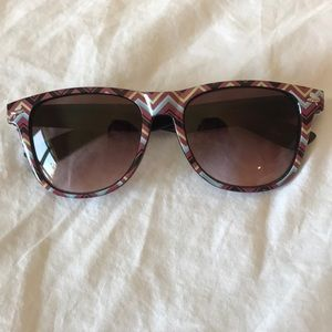 Accessories - Fashionable Patterned Sunglasses